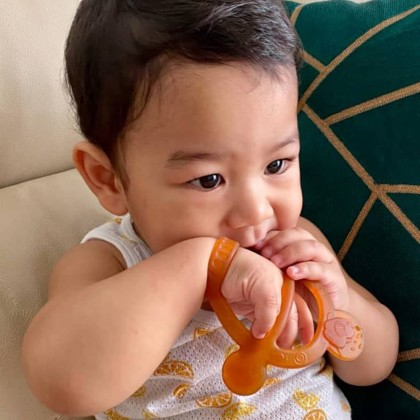 He Or She Antibacterial Wristband Baby Gum Soothing Teether
